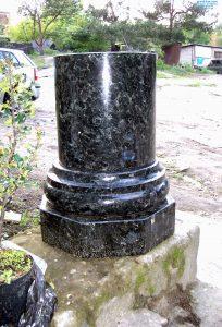 Колонны из гранита Image